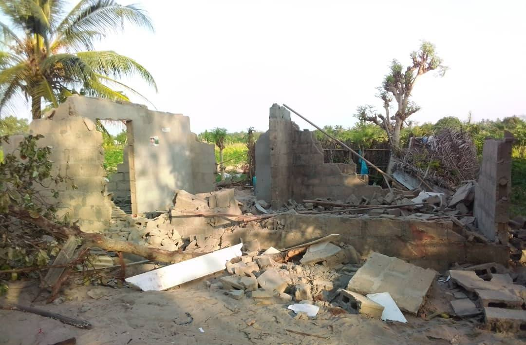 Nigeria¿s Navy targeting and seizing properties located in Topo, Badagry.