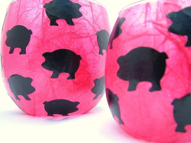 Shocking Pink and Black Pigs