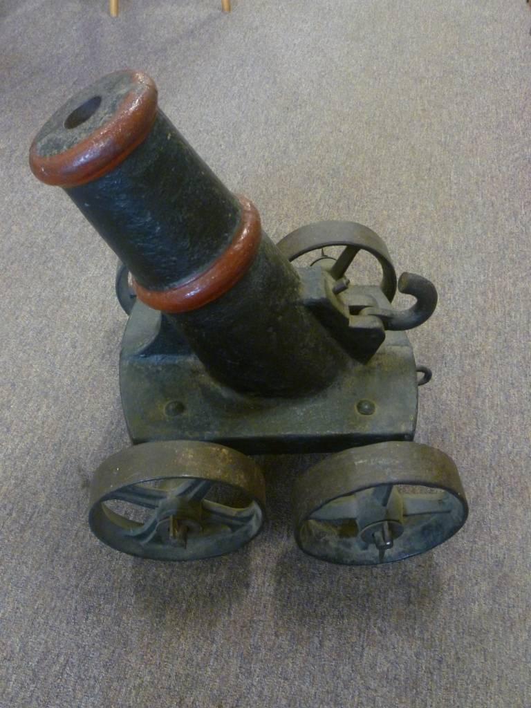 Small cast iron canon