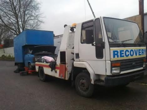 1980s Ford Cargo Spec Lift recovery