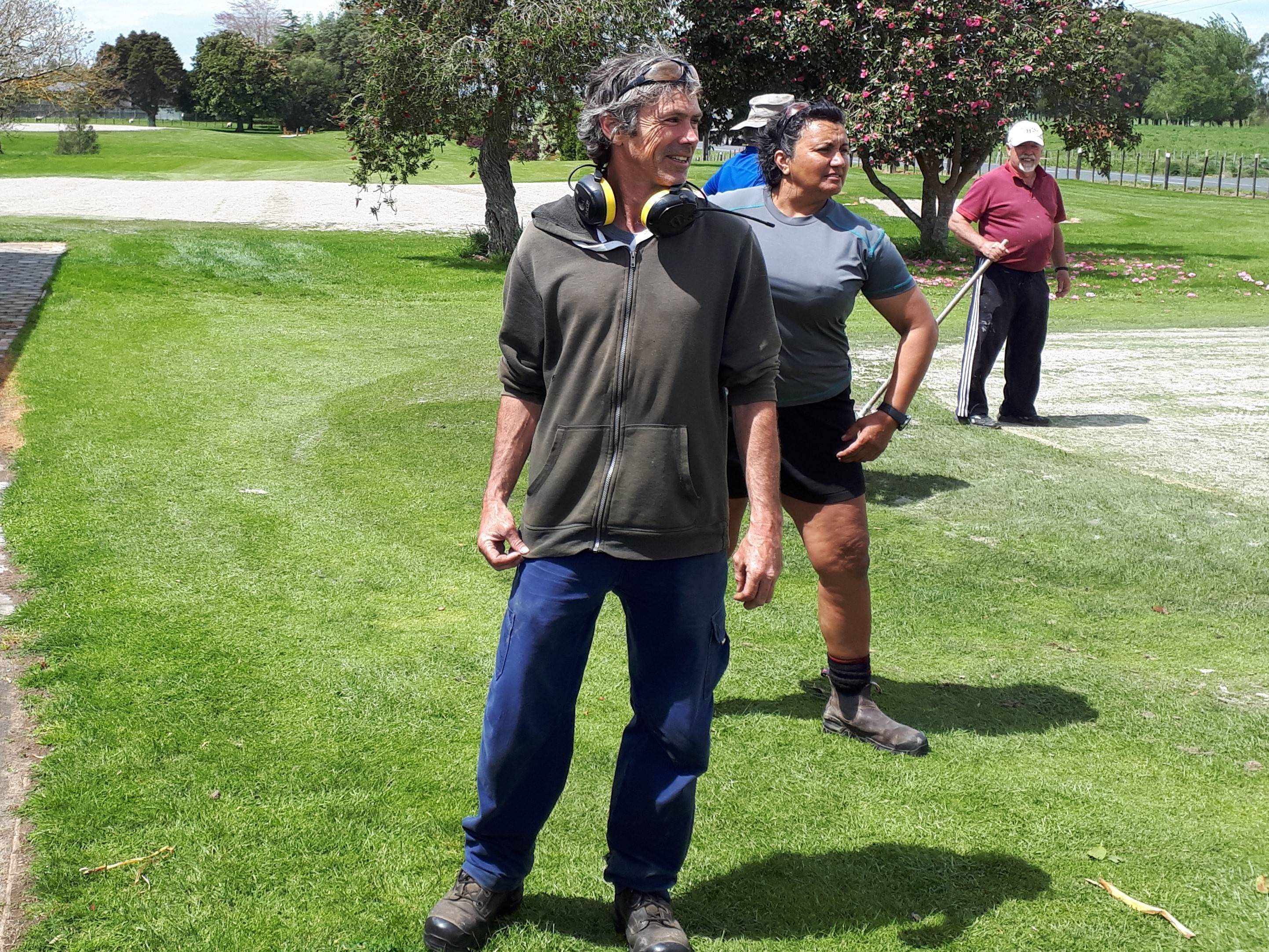 Greenkeepers - what ways the wind going