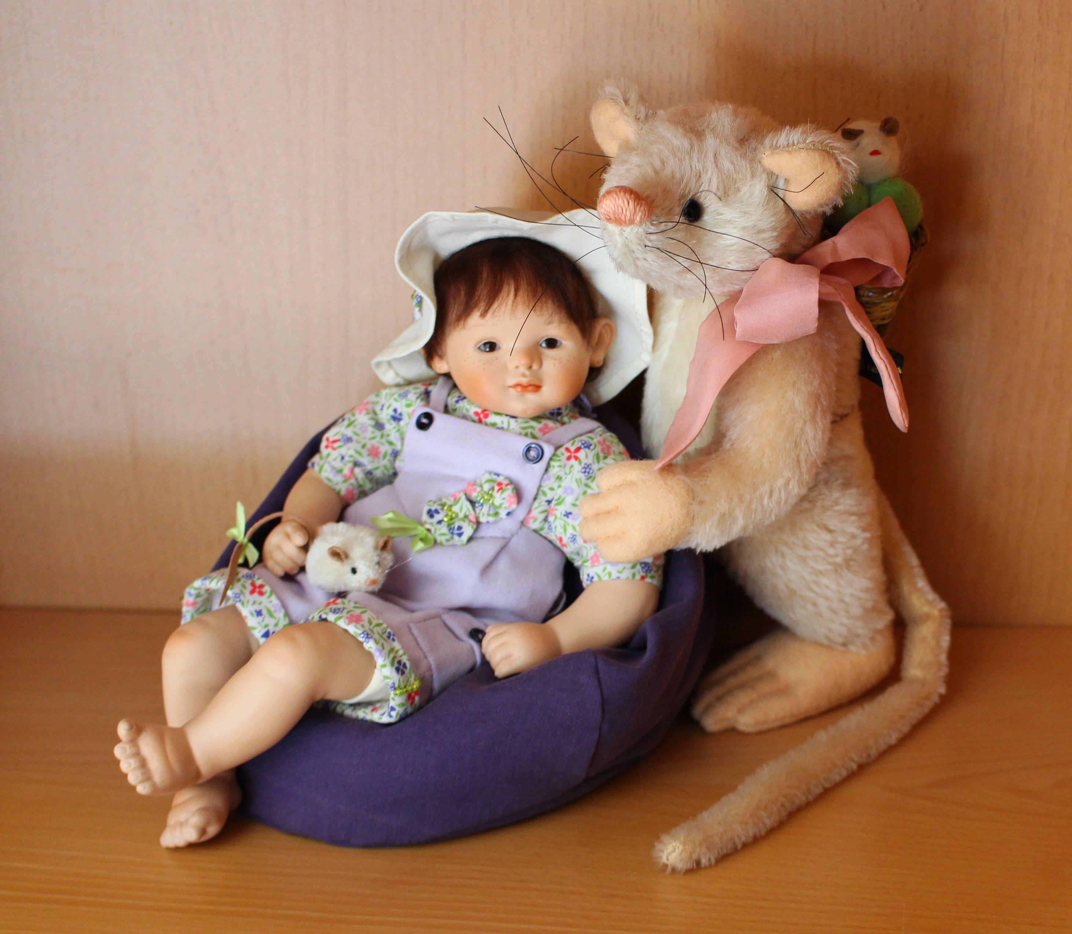 Frieda mit Maus Marie