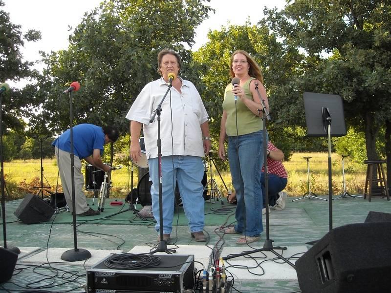 KLRB Radio Singing
