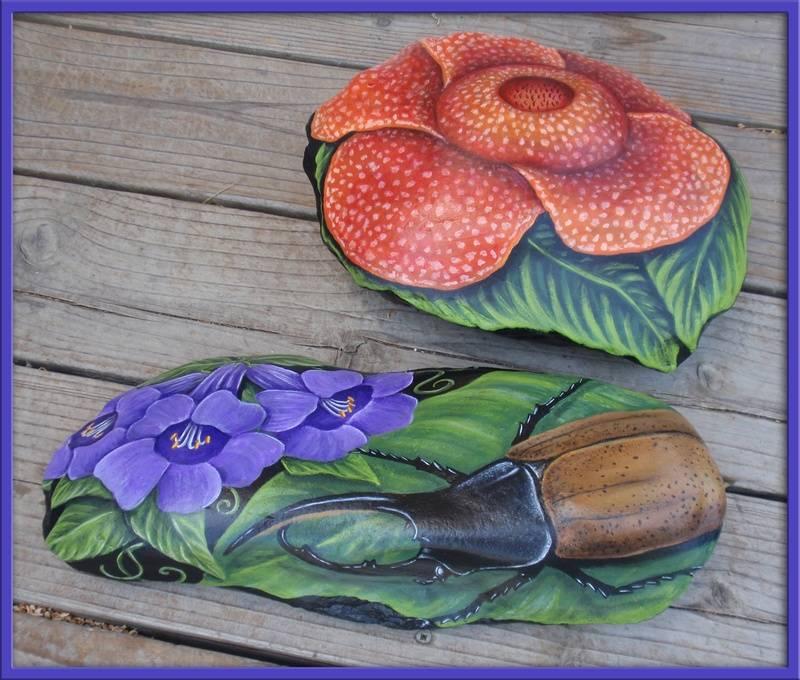 HERCULES BEETLE/GIANT FLOWER