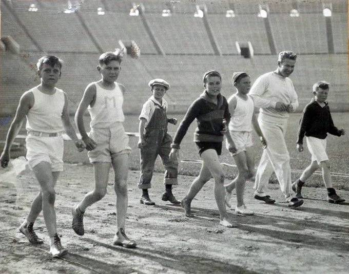 Charley walking with a group of kids