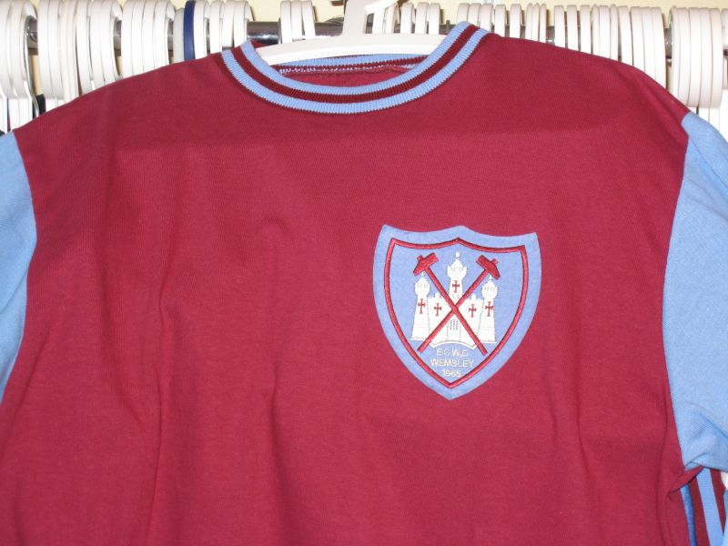 Worn when we were Chanpioms of Europe (although this is just a Replica)