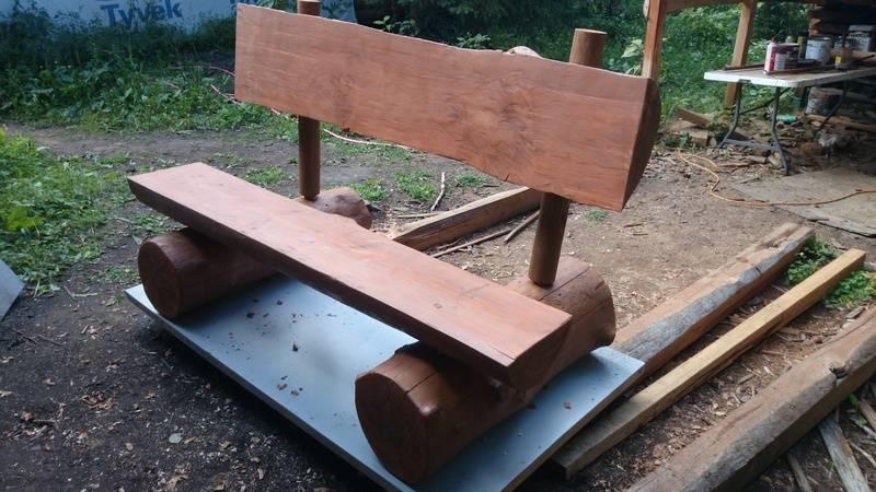 outdoor memorial bench