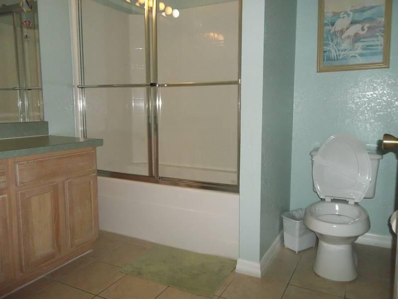 3rd Bathroom with bathtub