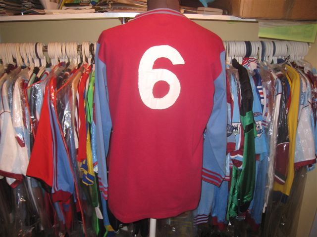 Match Worn Bobby Moore # 6 home 1970/71