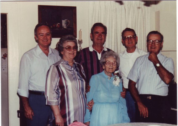 Mannings, Deering, Kathryn, Jimmy, Grandma Katy, Austin, and Floyd 1980
