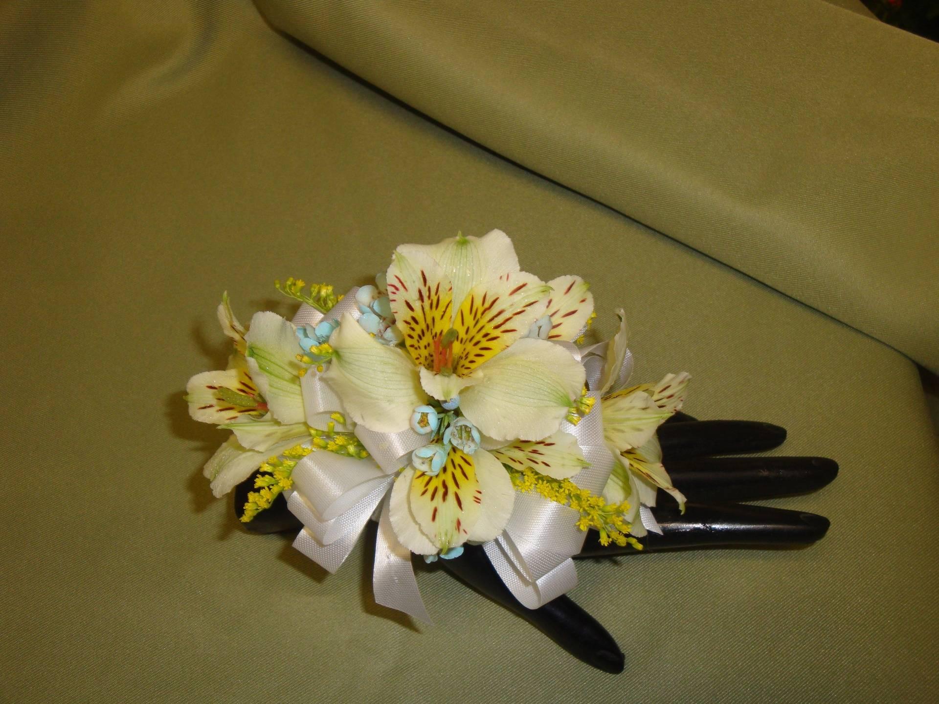 Alstromeria Wrist corsage