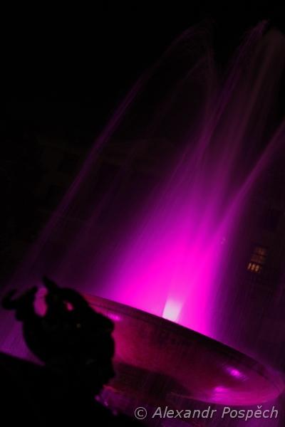 Trafalgar Square fountain purple