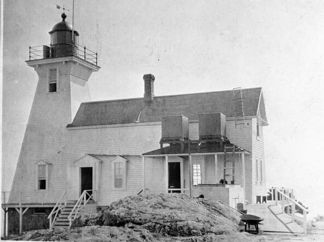 Discovery Island Light station in 1908.