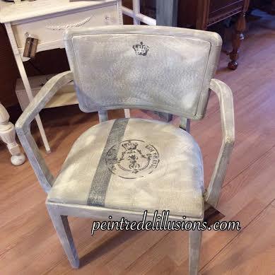 chaise peinte avec le cuir peint aussi (VENDU)