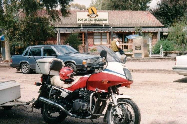 Tom's XJ900 at the The Dog on the Tuckerbox - Dec 1992