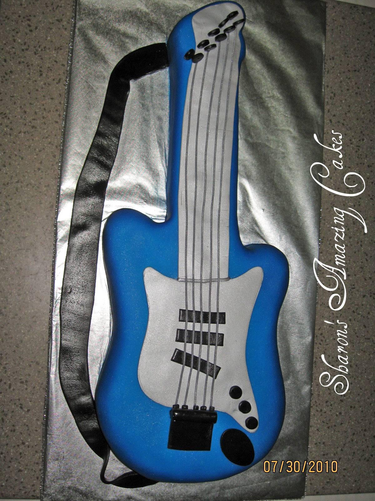 CAKE 11G -Guitar Cake 2