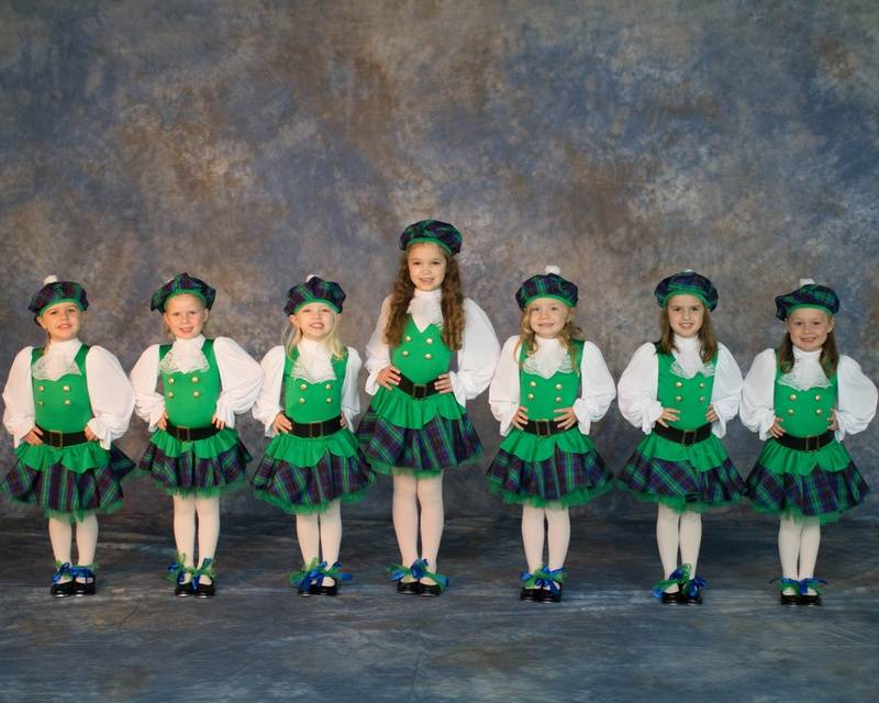 Dancing Scottish Gals