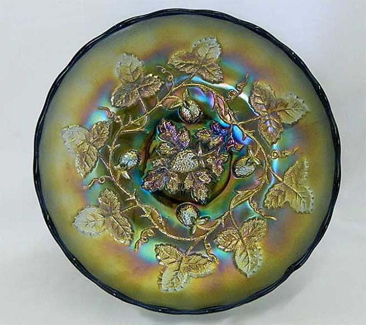 "Blackberry Wreath 10"" IC shaped bowl, green"