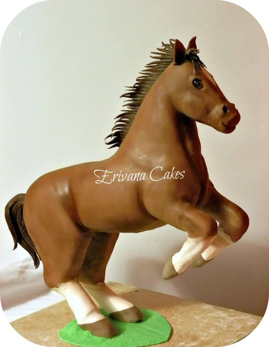 Gravity Defying - 3d Horse cake