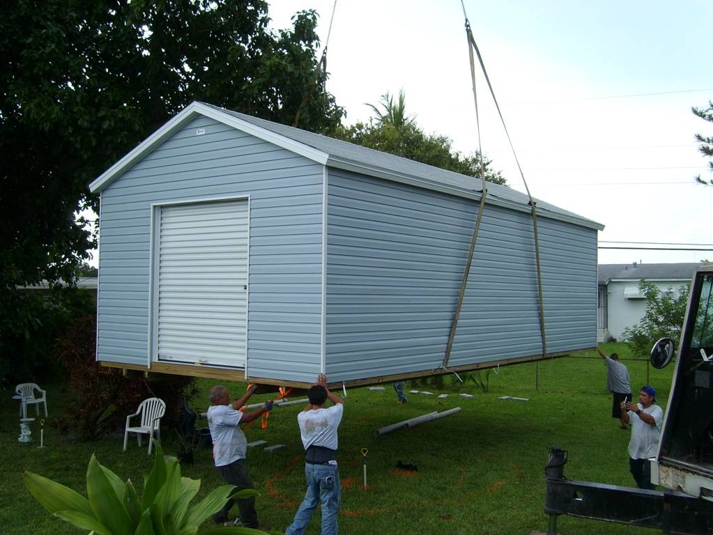 14x30 w/ 6 foot roll up / with eaves