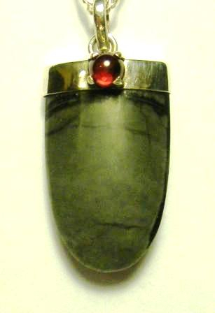09-01224 Jasper Pendant with Garnet Bale Pendant