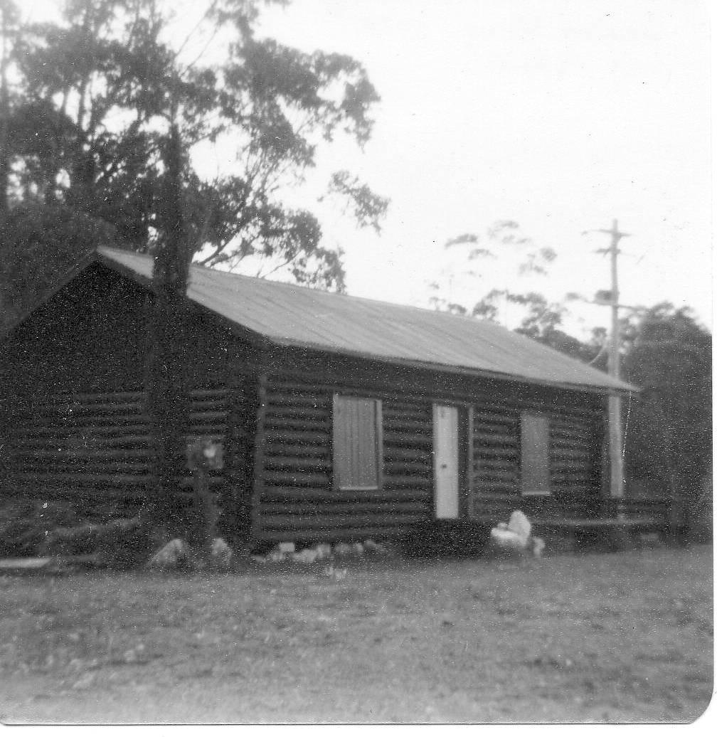 Log Cabin in Maulua Bay, 1925