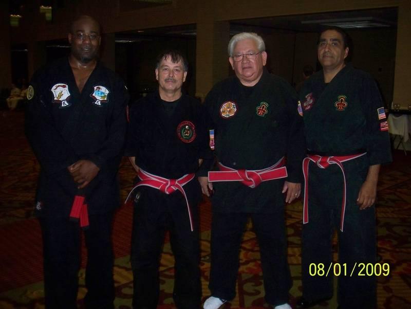 Paul Dyer(Left)