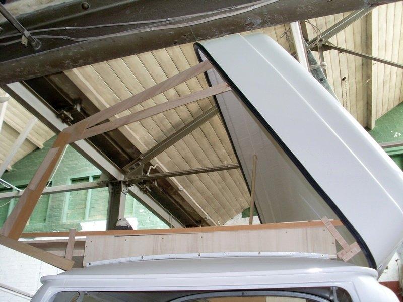 VW T2 Roof Sleeper 44, bellows pattern