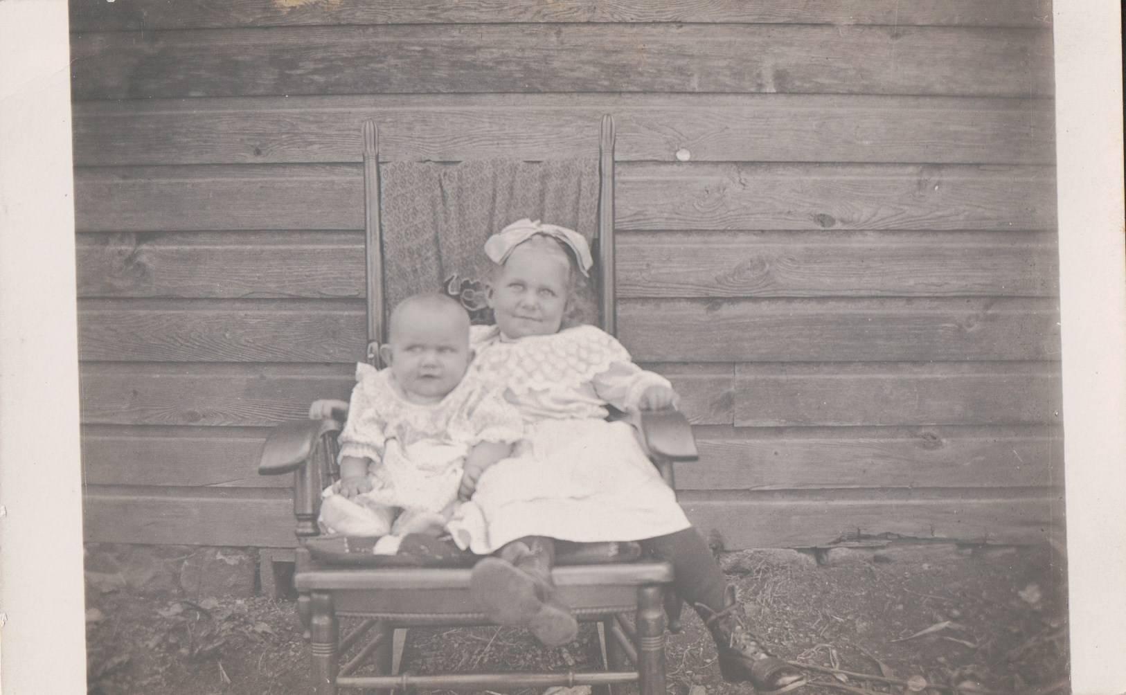 Annie and Harriet McCall
