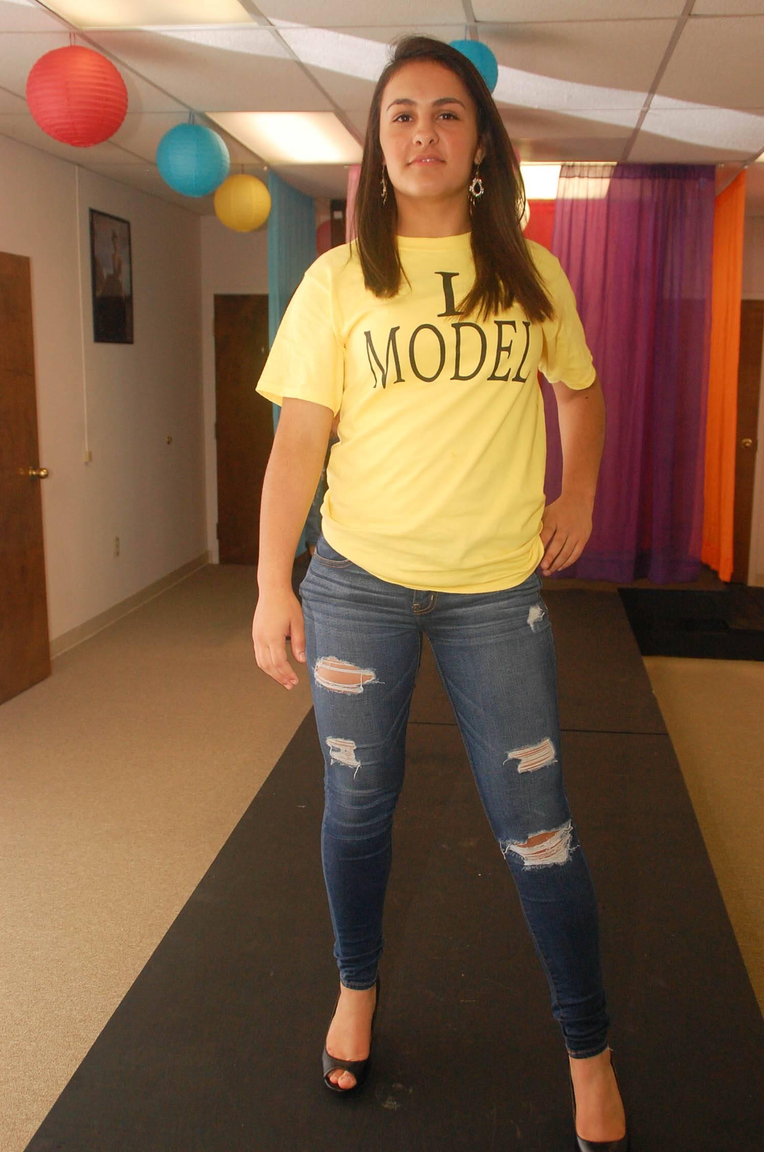 Bellah's Model Olivia