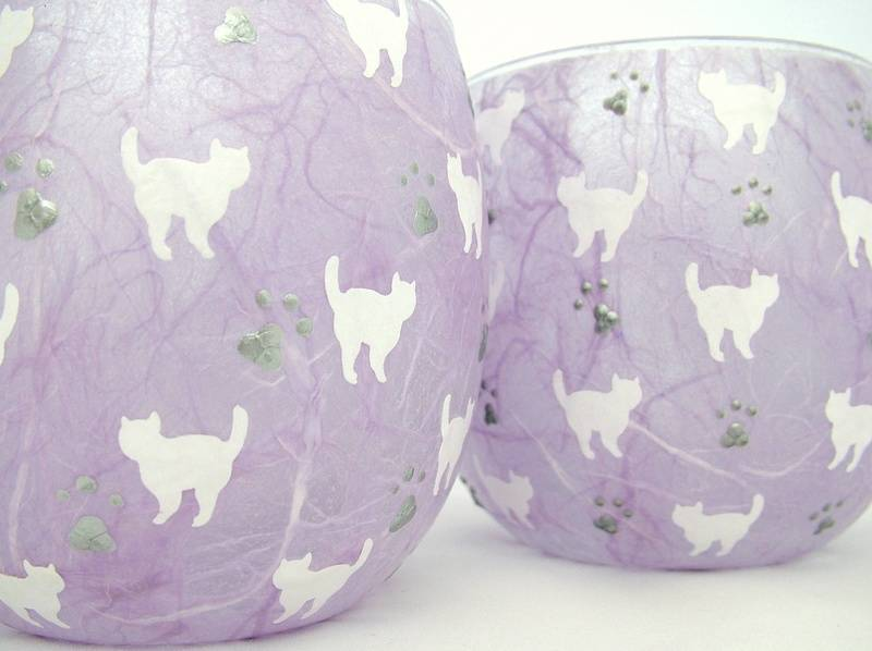 Mauve and White Mussy Cats