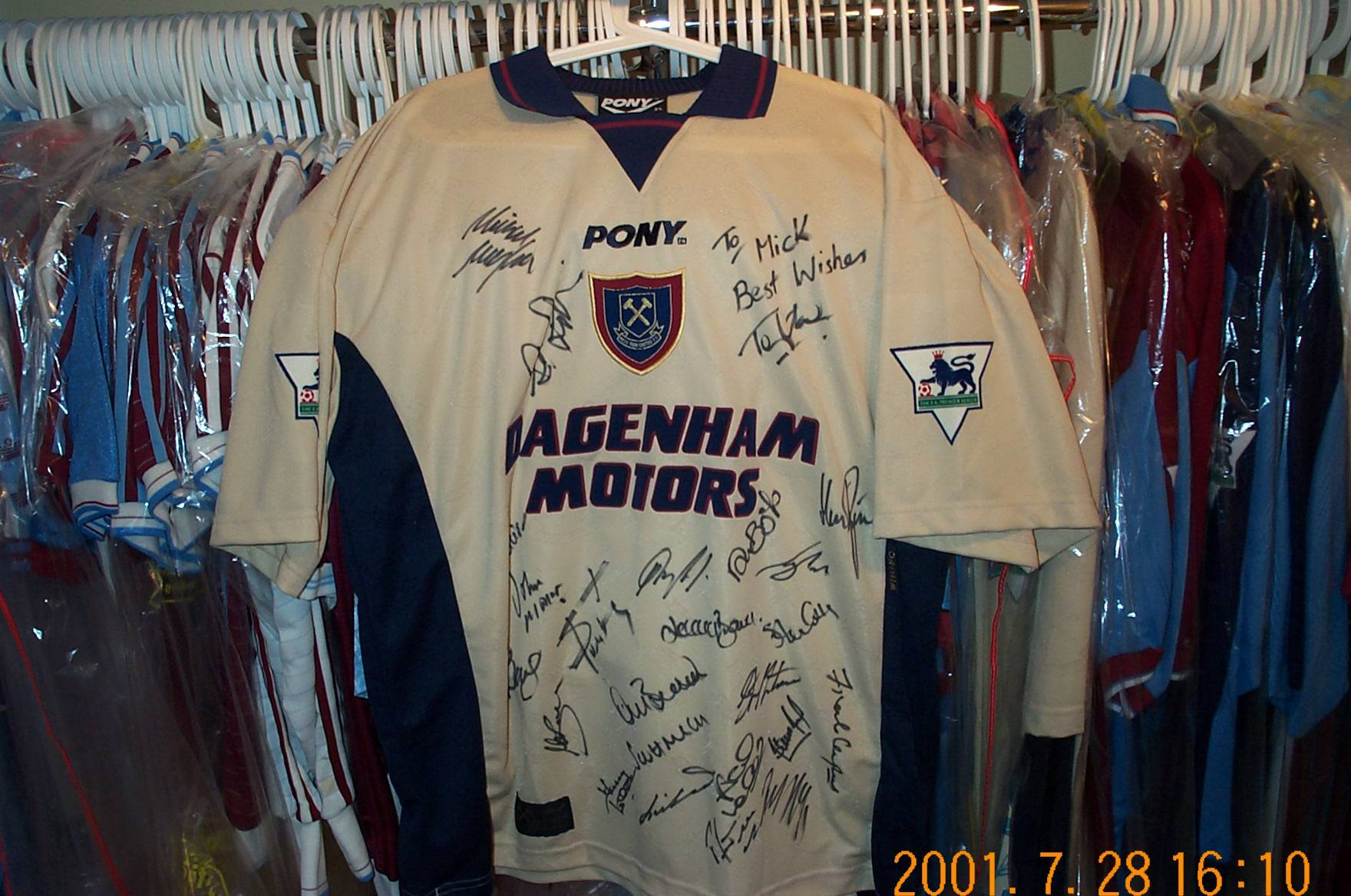 Hammers legand Tony Cottee's last worn shirt