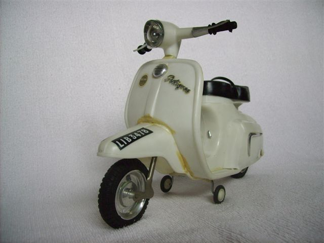 Pauls Scooter (Sindys Scooter)