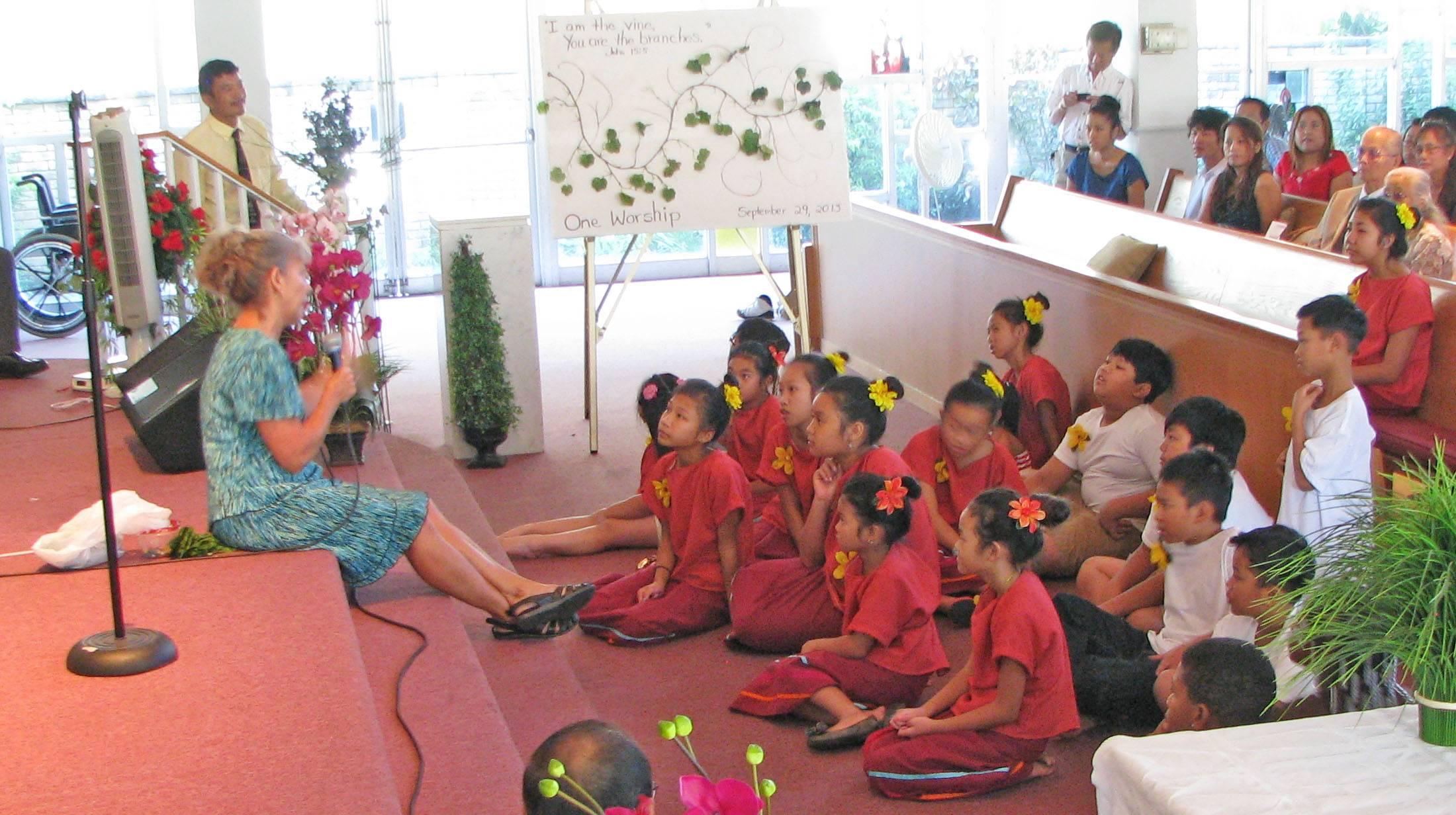 Jacquie leads the Children's Message