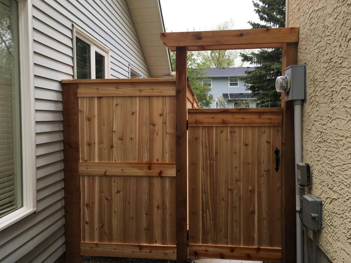 cedar gate and close off