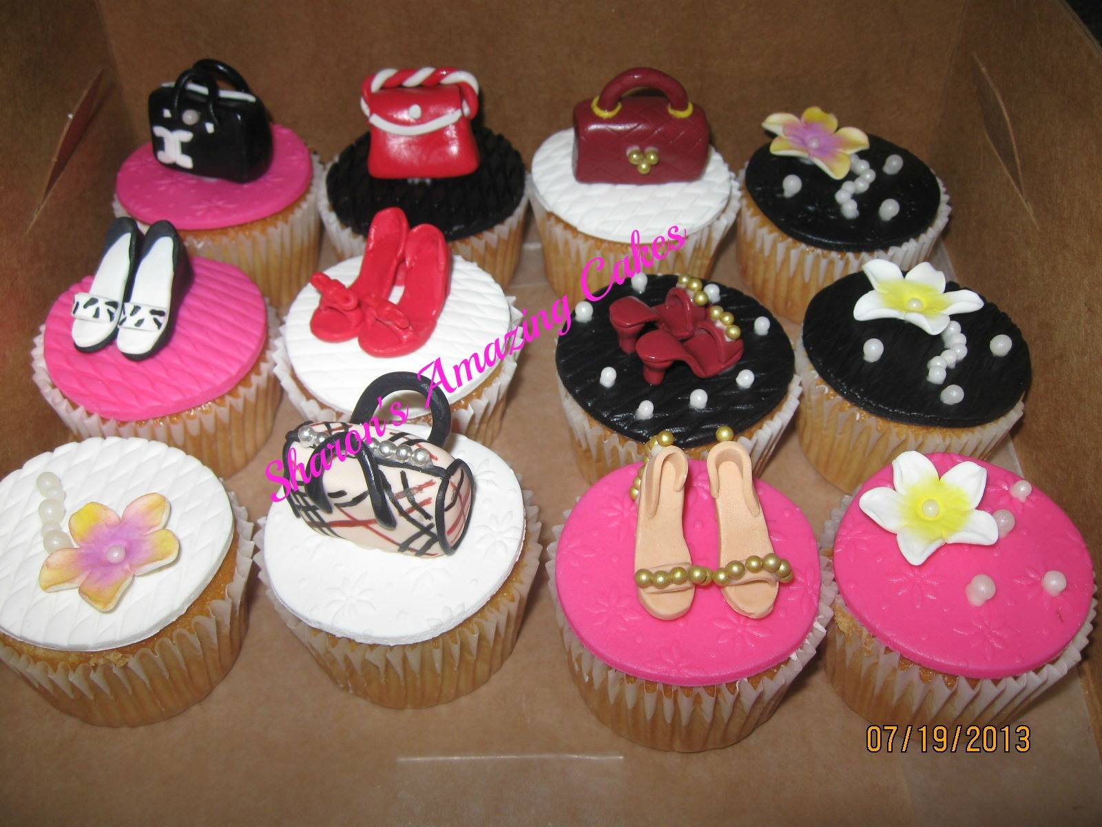 CC42 -Handbag & Shoe Fetish Cupcakes