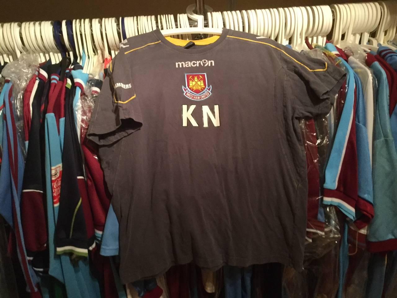 Kevin Nolan training shirt