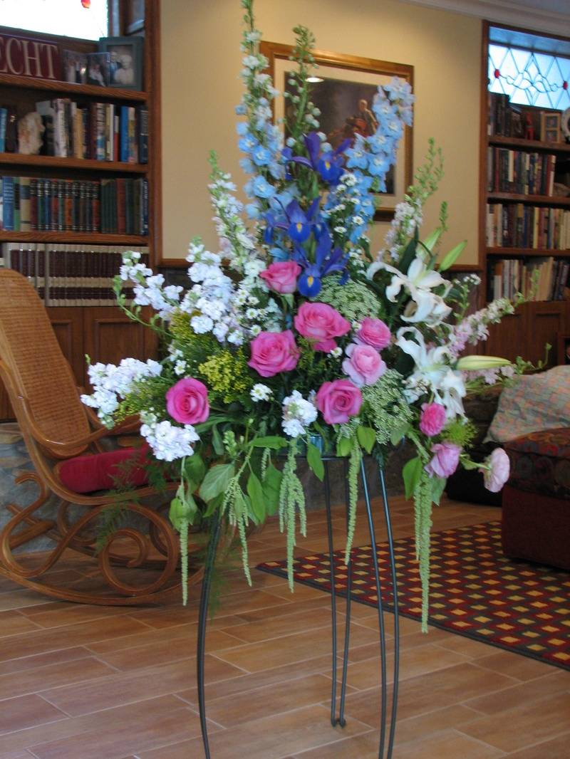 Flowers to adorn the room...