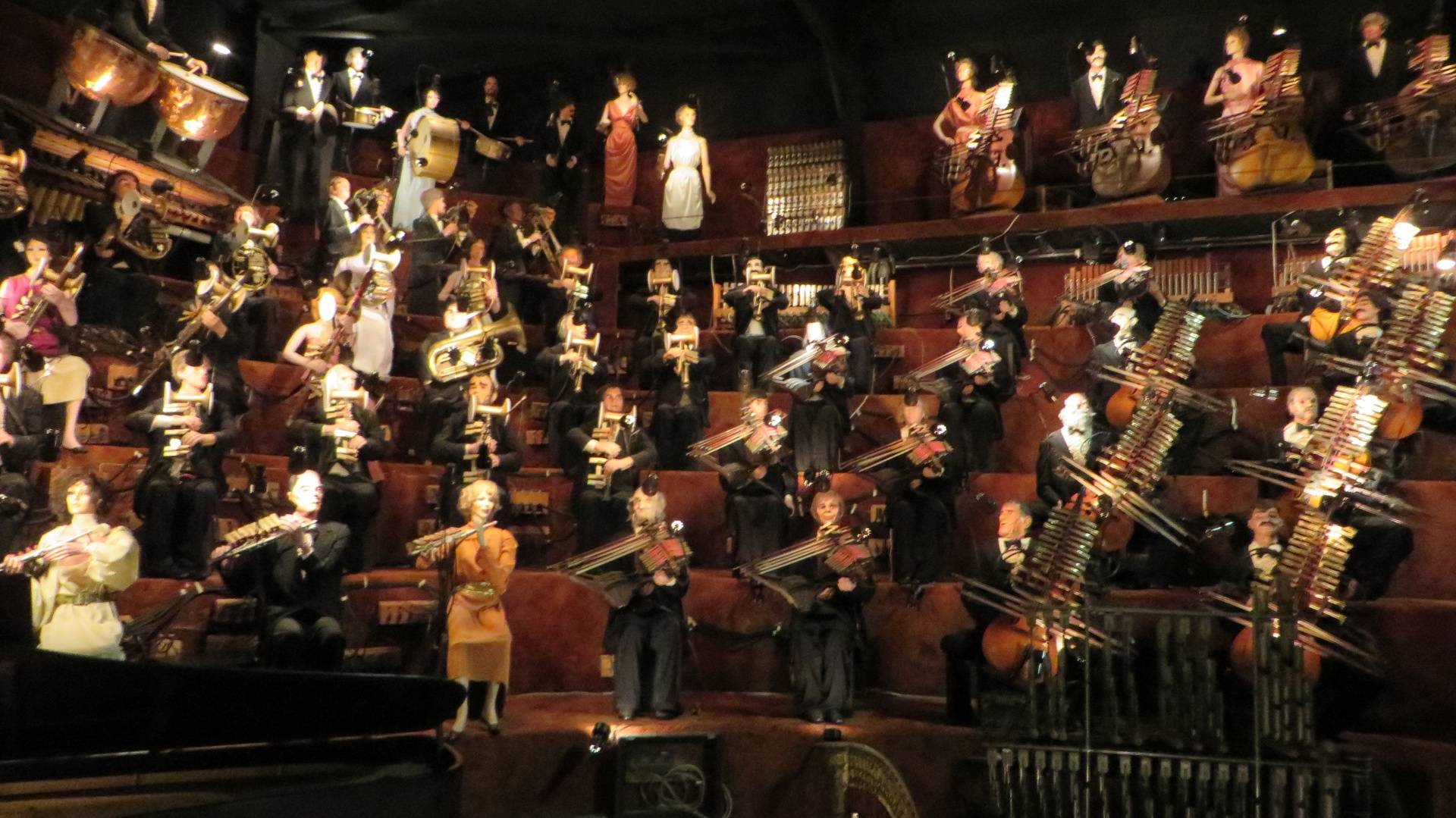 House on the Rock - music machine band
