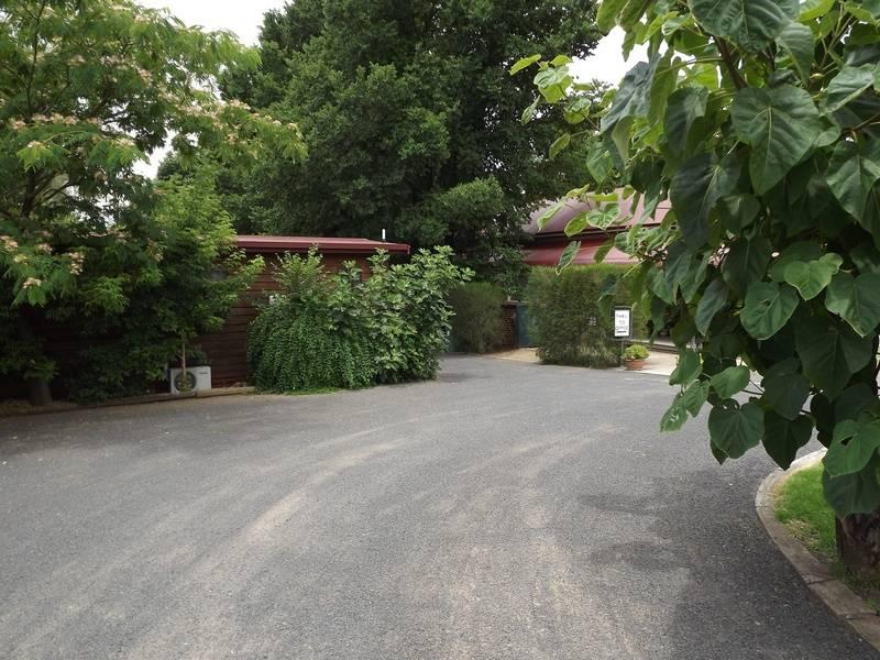 TUMUT LOG CABINS, 28-30 FITZROY STREET, TUMUT, NSW, 2871, AUSTRALIA