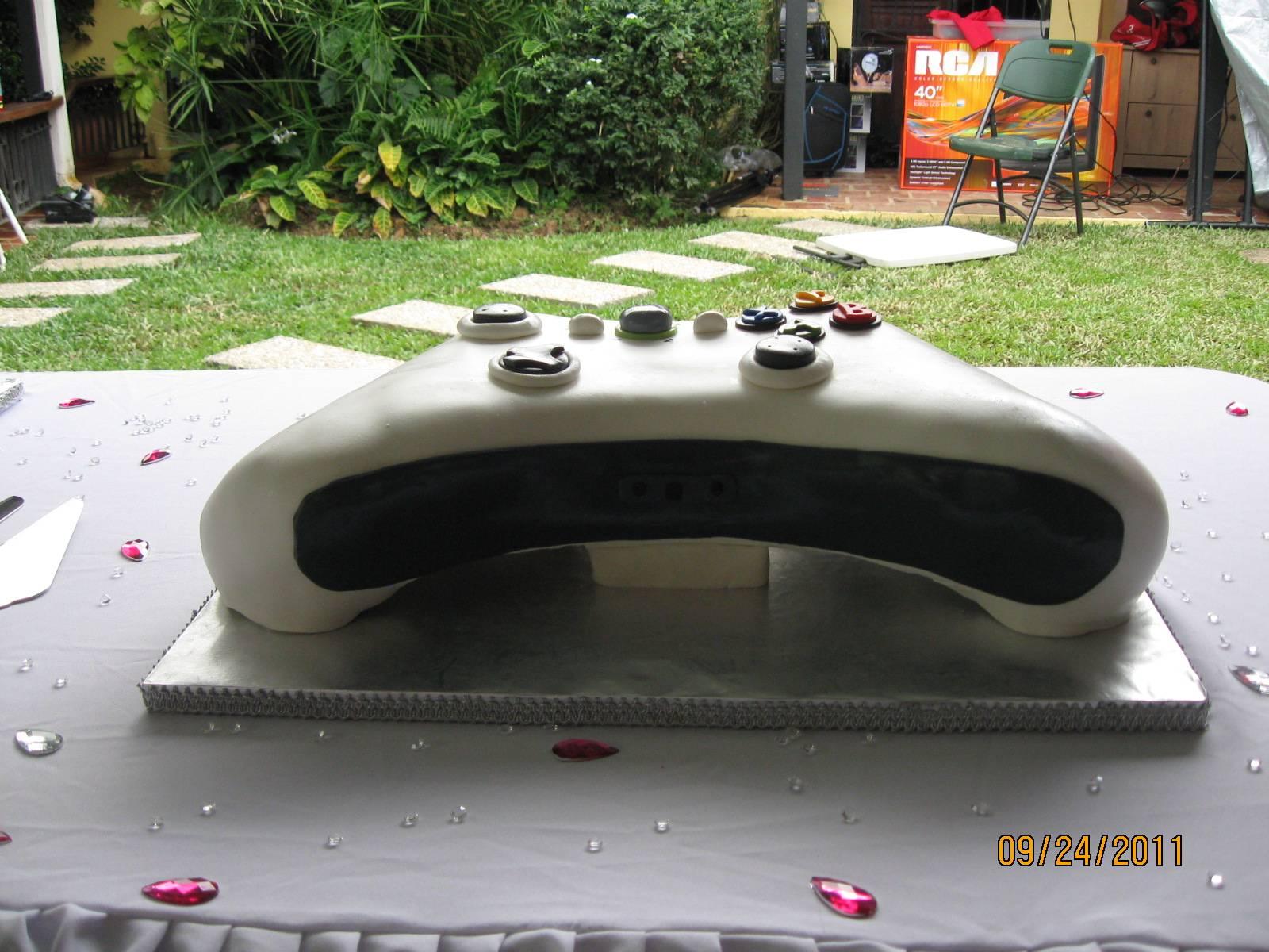 CAKE 16G -X-boc Controller Cake - Back View