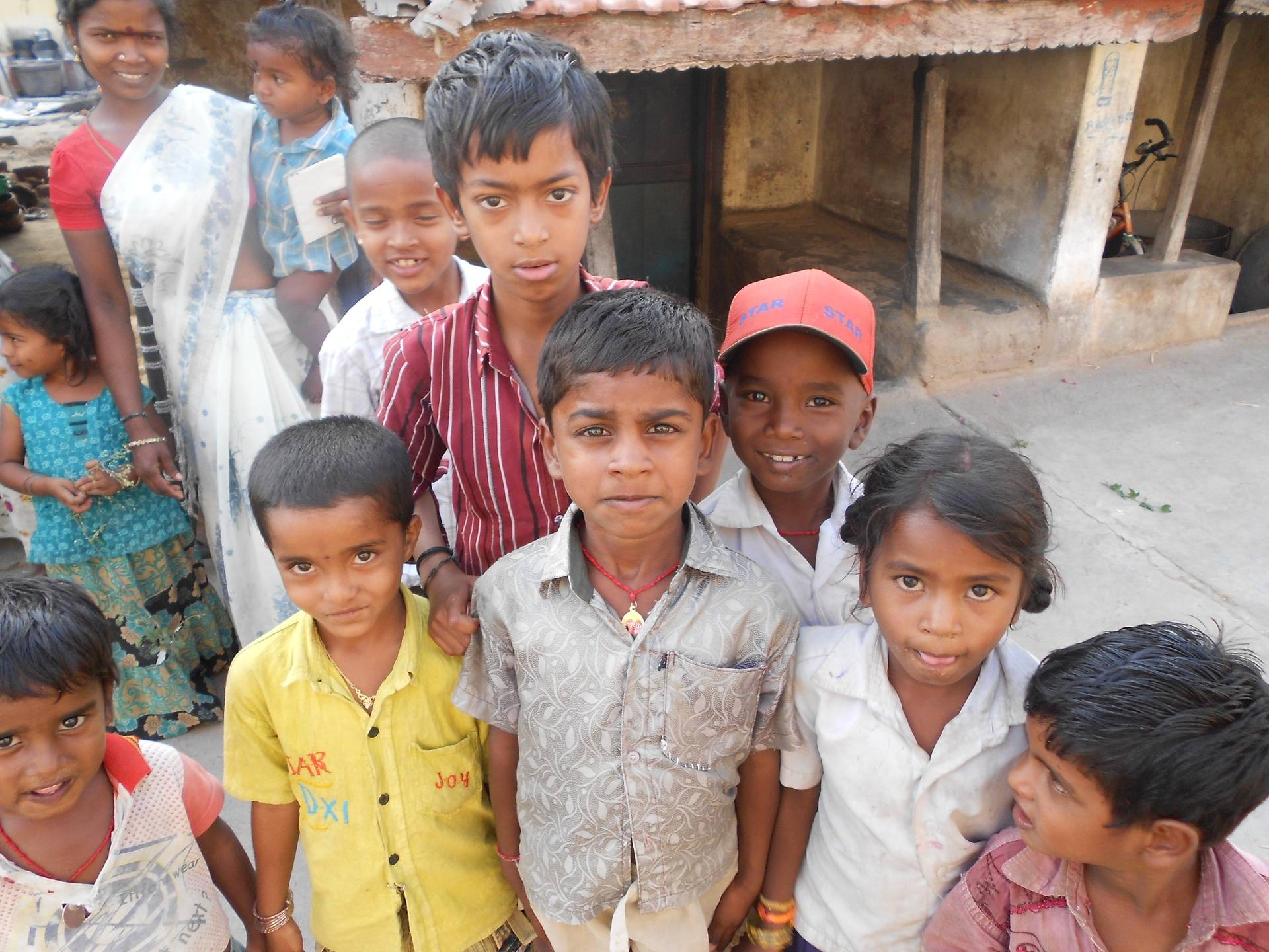 Children in Aswaranagasurunai