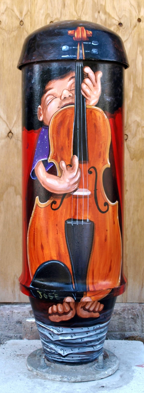 JOS'E on violin