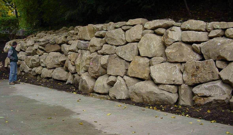 Large Drylaid Boulder Wall
