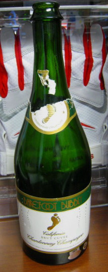 ST. LOUIS CARDINALS 2006 NLCS CHAMPIONSHIP GAME USED CHAMPAGNE BOTTLE STEINER