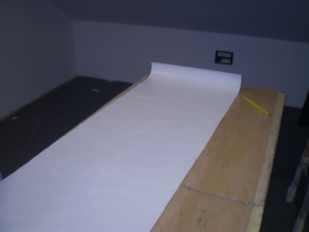 Namazana tapeta na stolu