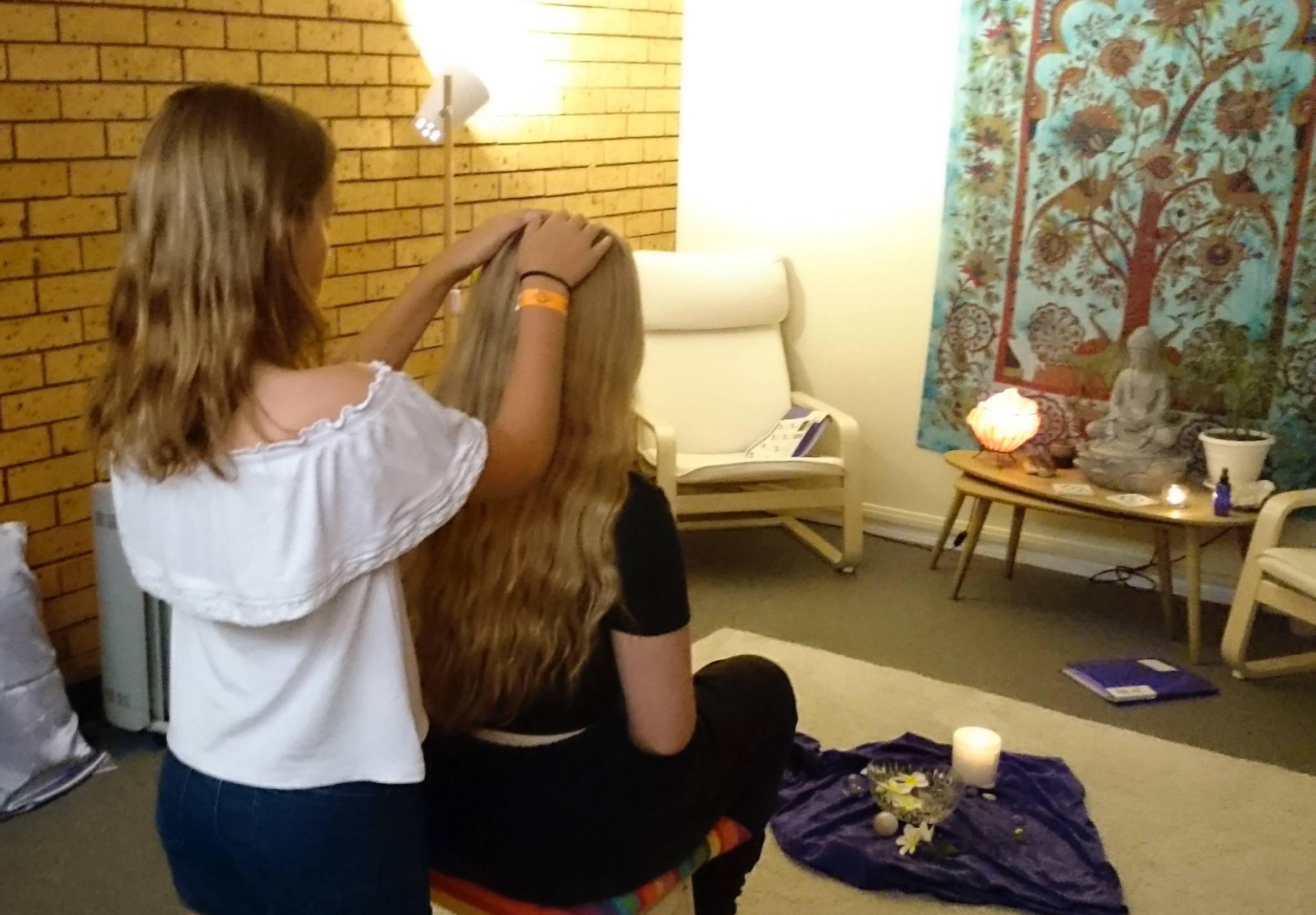 Practicing the 'mini' Reiki treatment