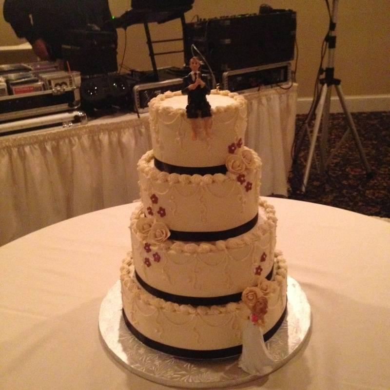 Ivory Traditional Wedding Cake