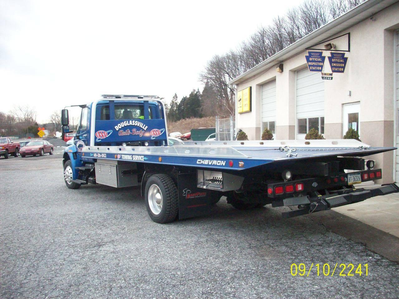 2008 International, Chevron S-10 Steel Bed