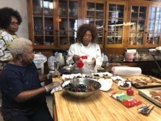 Dale Cain Leads Cooking Classes